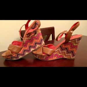 Women's multicolored AMERICAN EAGLE wedges/ sz 9.5
